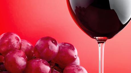 5 κόκκινα κρασιά που... πίνονται δροσερά