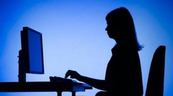 Τεχνολογία: Βουτιά ρεκόρ 10% στις πωλήσεις προσωπικών υπολογιστών παγκοσμίως το 2013