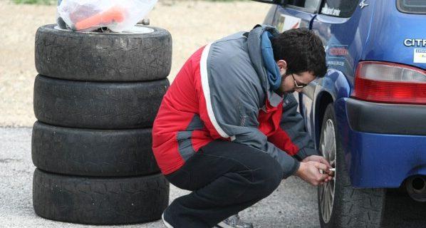 Πώς να διαλέξετε ελαστικά για το αυτοκίνητο και ποια είναι η σωστή εποχή για αλλαγή