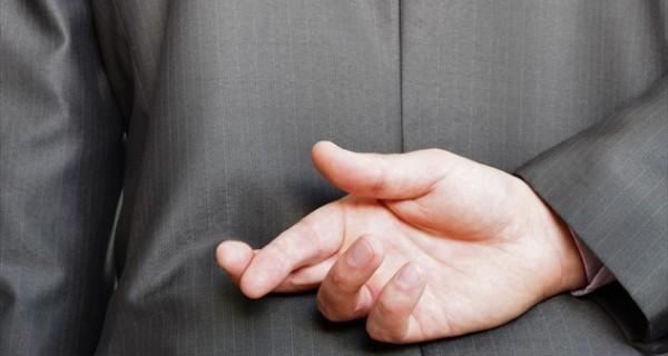 Τα 5 αποδεκτά -και ίσως αναγκαία- ψέματα σε μια σχέση