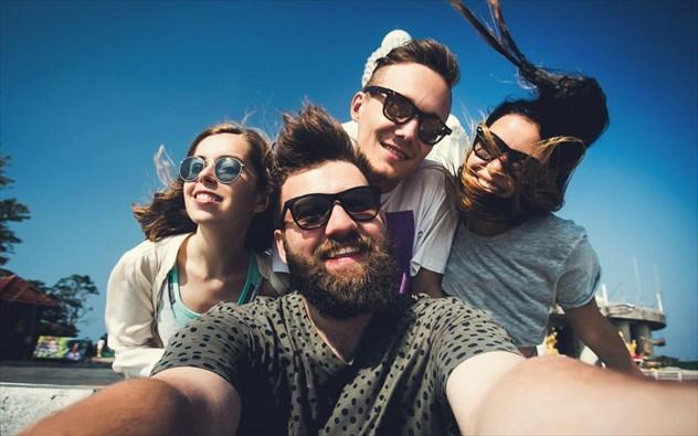 Το μυστικό για να βγάζετε ωραίες selfie που λίγοι γνωρίζουν