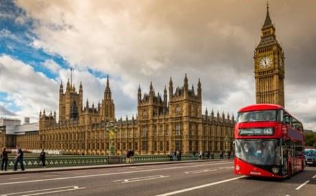 Ζωικό λίπος αντί για βενζίνη στα κόκκινα λεωφορεία του Λονδίνου