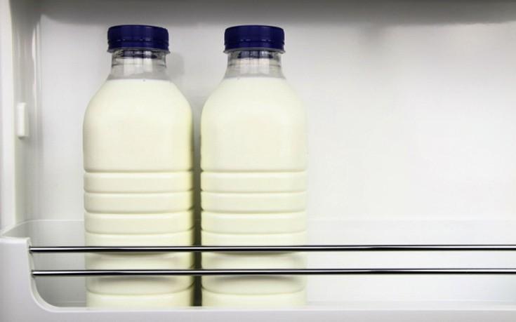 Γιατί δεν πρέπει να βάζετε το γάλα στο πάνω ράφι του ψυγείου