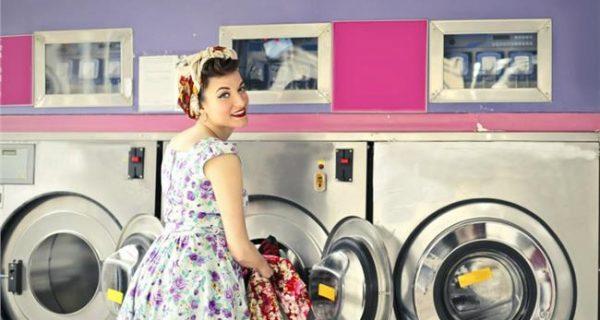 Ποιοι πλένουν πιο συχνά τις πιτζάμες τους οι άνδρες ή οι γυναίκες; Η απάντηση σίγουρα θα σας εκπλήξει