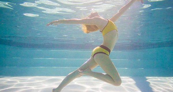 Αυτά τα snaps κάτω από το νερό μας δίνουν κίνητρο για ένα τέλειο σώμα!