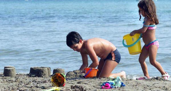 Το παιδί και σε άλλη παραλία
