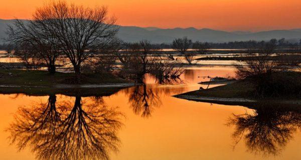 Η λίμνη-κόσμημα που δημιουργήθηκε με ανθρώπινη παρέμβαση