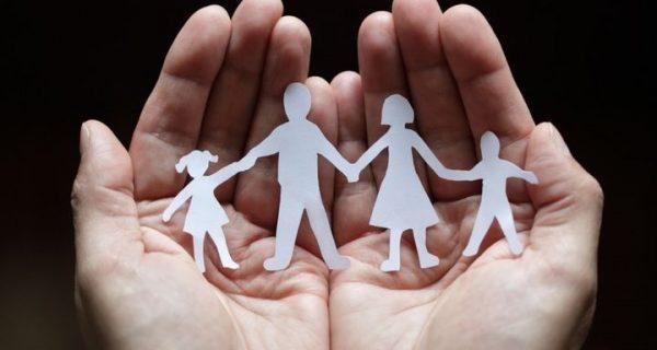 Στα 70 ευρώ το επίδομα για το πρώτο παιδί – Όλες οι αλλαγές