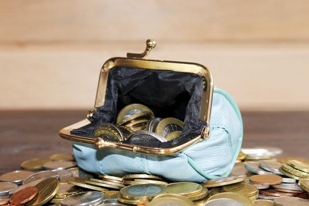 ΟΑΕΔ: Πώς θα πάρετε το τρίμηνο βοήθημα (720€)