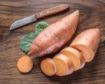 Γλυκοπατάτα: Τα λαχανικά με πορτοκαλί και κίτρινο χρώμα, όπως η γλυκοπατάτα, το καρότο, το καλαμπόκι και η κολοκύθα, είναι καλές πηγές θρεπτικών συστατικών που κάνουν καλό στο πάγκρεας και το προστατεύουν από τον καρκίνο.