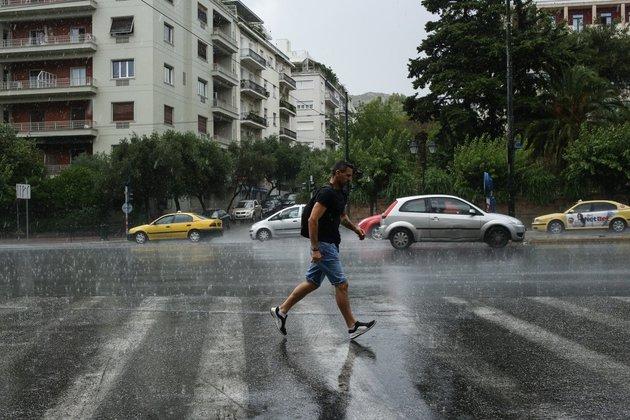 Απαισιόδοξοι 6 στους 10 Έλληνες για τα οικονομικά τους