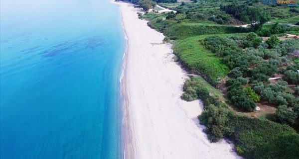 Μονολίθι Πρεβέζης: Ένας μοναδικός βράχος και μια απέραντη αμμουδιά