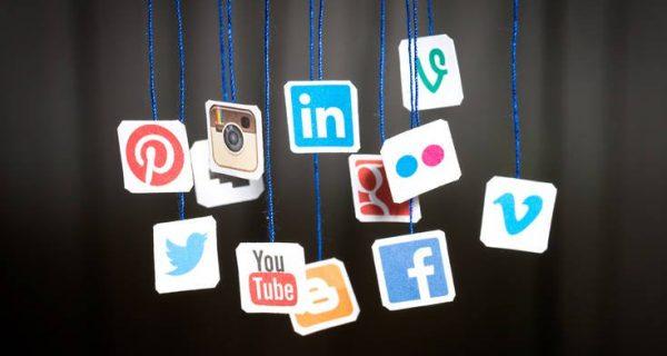Τι ποσοστό των Ελλήνων χρησιμοποιεί τα μέσα κοινωνικής δικτύωσης