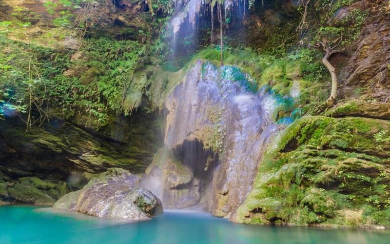 Πάμε για βουτιές σε λίμνες, ποτάμια και καταρράκτες της Ελλάδας