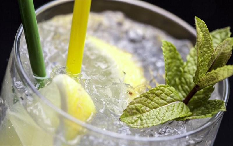 Απογειώστε το gin & tonic με έξι τρικ
