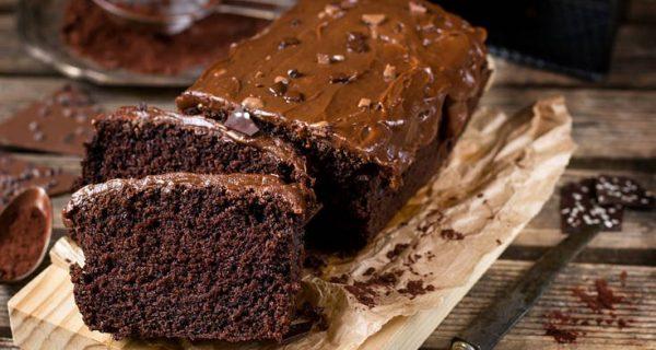 Σοκολατένιο κέικ με γλάσο σοκολάτας