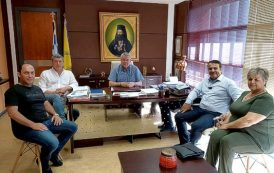 O επικεφαλής της παράταξης κ. Λευτέρης Καλλινικίδης  συνοδευόμενος επισκέφθηκαν τον Δήμαρχο Δράμας.