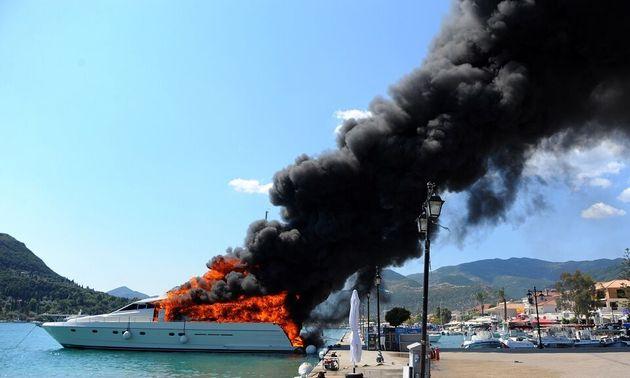 Χαλκιδική: Ισχυρή εκρηξη σε ταχύπλοο σκάφος - Τραυματίστηκε 4χρονο κορίτσι