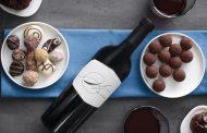 Πώς να συνδυάσετε σωστά το κρασί με τη σοκολάτα