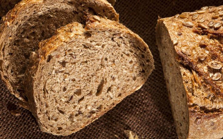 Η συνταγή ψωμιού που ψάχνουν σαν τρελοί οι Ρουμάνοι σέρφερς εν μέσω πανδημίας