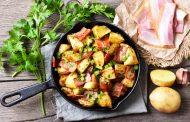 Πατάτες φούρνου με μπέικον και κρεμμύδι